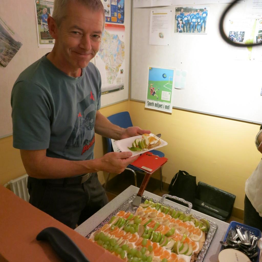 Jørgen med Bodils kage